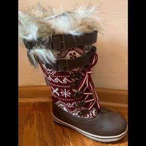 Size 7 Muk Luks Sweater boots. NWT ❤️